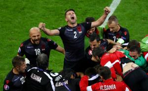 Albania festeja