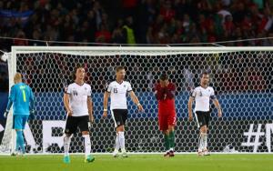 Ronaldo falha penalti